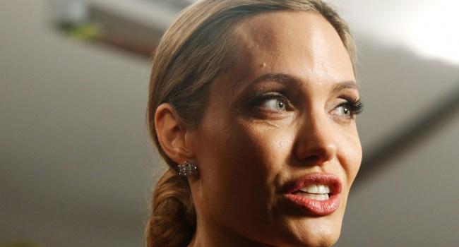 Отец Анджелины Джоли прокомментировал еесостояние после развода