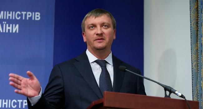 Петренко: Ниодна копейка изукраденных Януковичем млрд невозвращена вгосбюджет