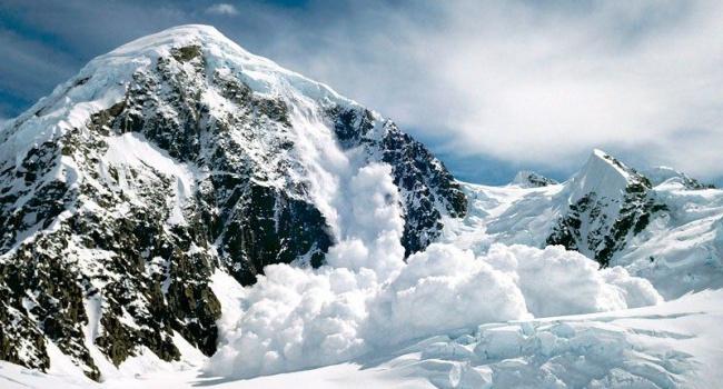 Вгорах Карачаево-Черкесии существует опасность схода снежных лавин, предупреждает МЧС