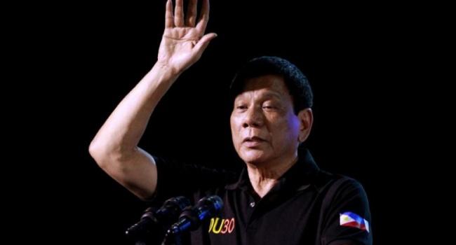 Президент Филиппин признался, что лично убил около 3-х человек