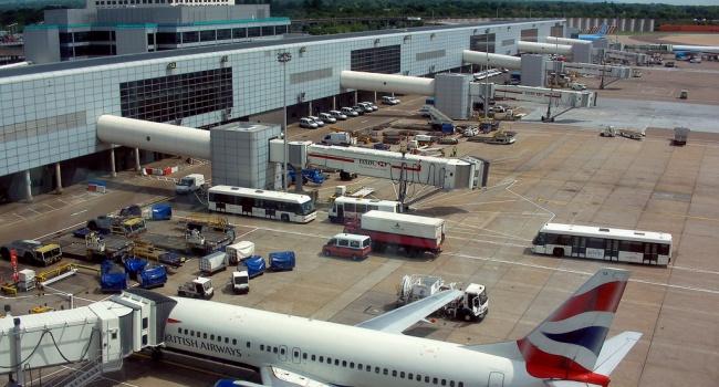 Десятки тыс. пассажиров несмогут улететь из-за забастовки вВеликобритании