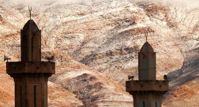 Впустыне Сахара впервый раз  за40 лет выпал снег