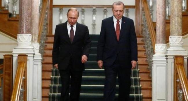 Эрдоган потелефону поведал Путину о изучении убийства Карлова