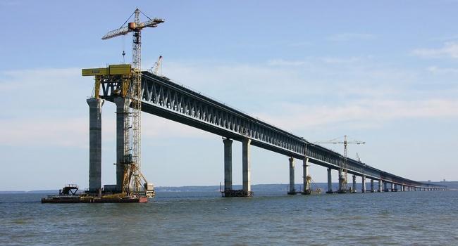 Ненашлось желающих строить ж/д мост вКрым