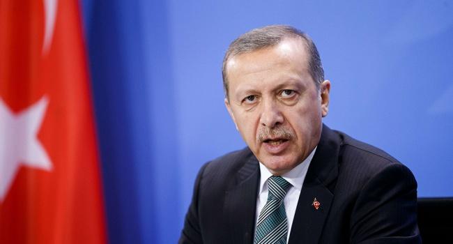 Эрдоган обвинил США вподдержкеИГ