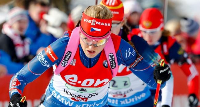 Подчуфарова иВолков третьи вРождественской гонке, выиграли Шемп иХинц