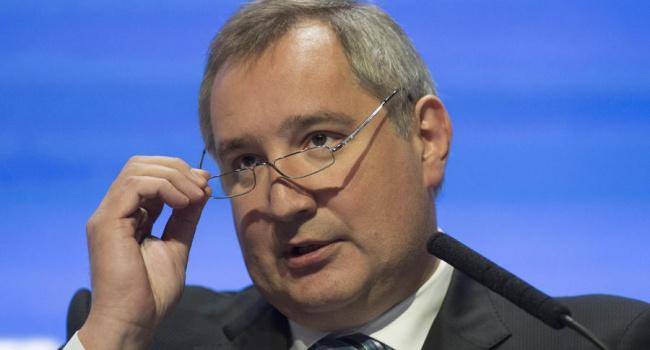 Рогозин вручил русский паспорт украинскому ученому-оборонщику Гашененко