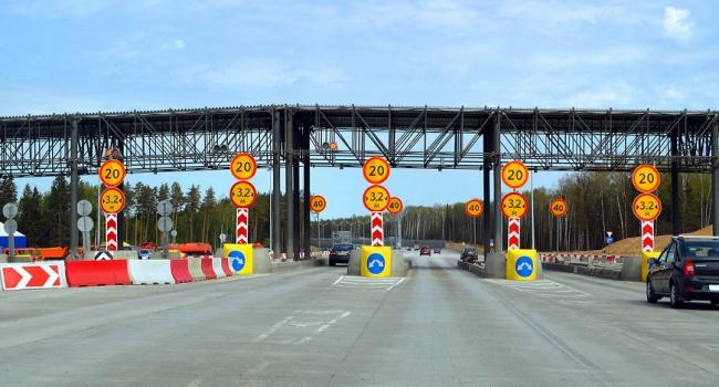 Платные дороги вУкраинском государстве появятся не прежде, чем через два года