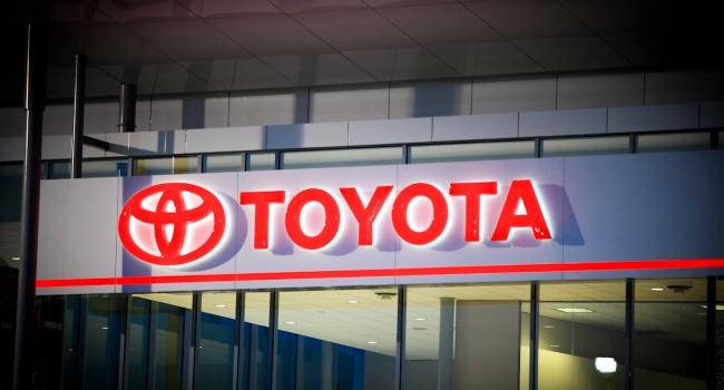 Япония будет поддерживать работающих вСША производителей автомобилей