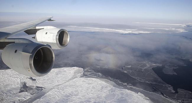 Ученые: ОтАнтарктиды откалывается огромный айсберг