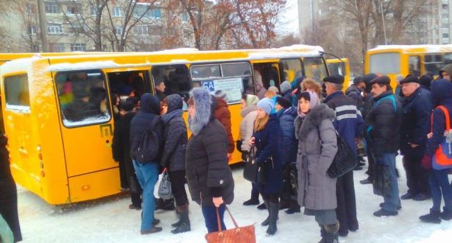 Мороз стал причиной транспортного коллапса во Львове