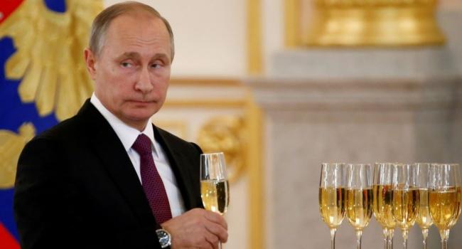Путин пояснил, почему неверит некоторым данным оТрампе и столичных проститутках