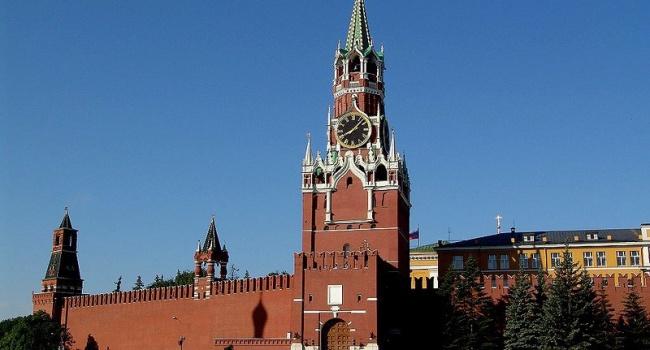 «Резкий сдвиг»: Bloomberg поведал осмене отношения Кремля кТрампу