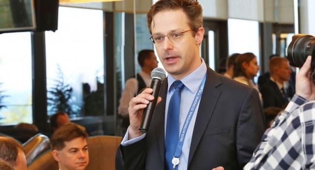 Евродепутат посетил захваченный Крым за русский счет