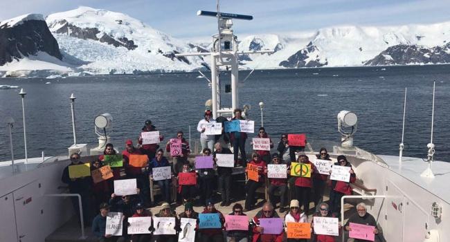Марш женщин против Трампа прошел даже в Антарктиде