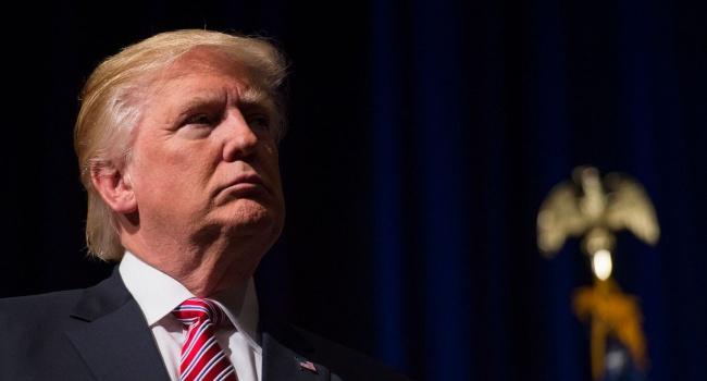 Манн: президент США в первый день после инаугурации сделал сразу два важных хода