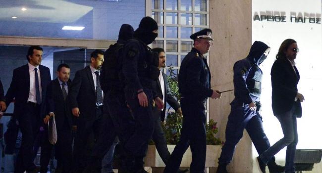 Греческий суд постановил невыдавать турецких военных на отчизну