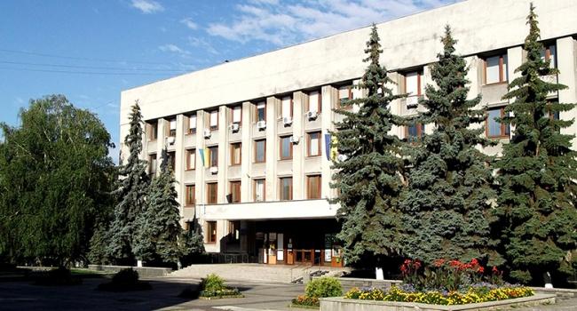Ужгородских чиновников словили навзятке, вмэрии идет обыск