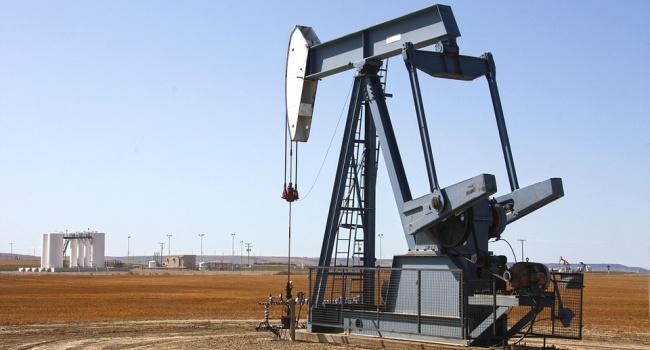 Иранские нефтезапасы увеличились на15 млрд баррелей