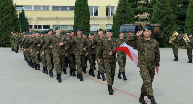 Изармии Польши взнак протеста ушли 26 генералов и260 офицеров