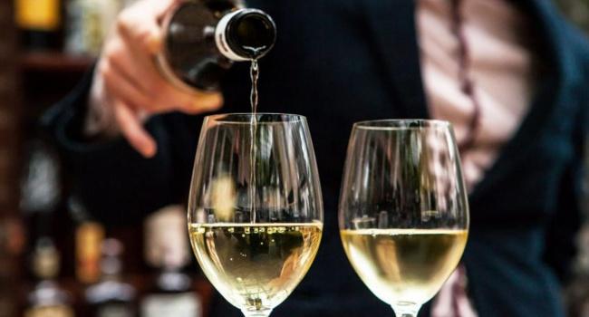 Ученые: шансы прожить долгую жизнь выше у пьющих людей, а не у трезвенников