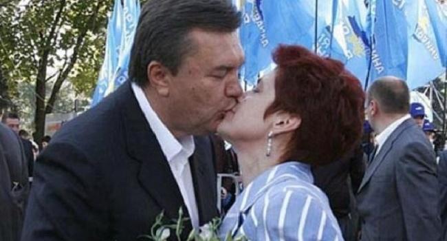 Янукович признался, с кем живёт после развода с женой
