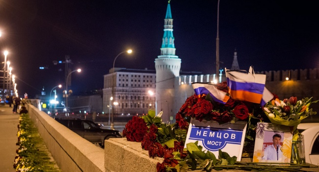 У Москві розгромили меморіал Бориса Немцова
