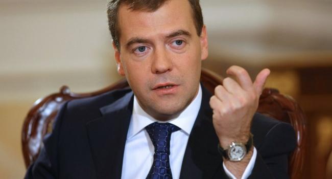Медведєв виступив з гучною економічною сенсацією