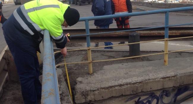 Эксперт пояснил, что нужно делать с Шулявским мостом