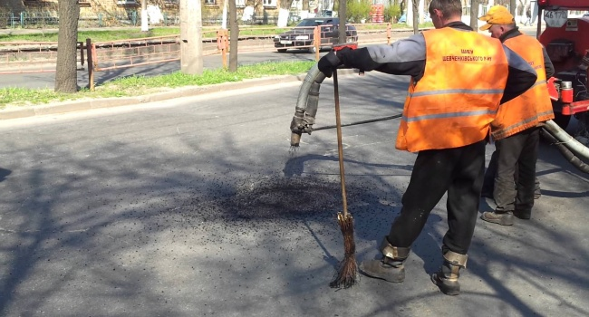 Гройсман: наремонт дорог выделим рекордную сумму