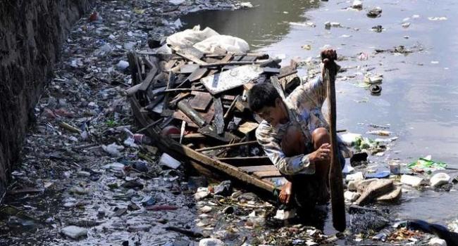 Назван самый грязный водоем в мире, - фото