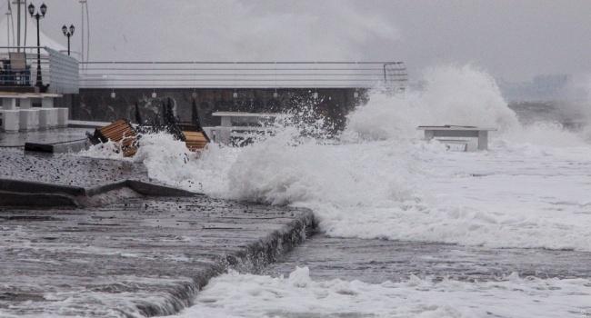 Порывы ветра: вОдессе объявили штормовое предупреждение