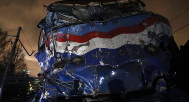 Крушение поезда «Москва— Брест»: фото сместа происшествия