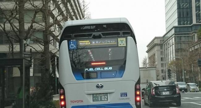По японским городам колесят автобусы, работающие на воде и воздухе, а мы ждем, когда подешевеет топливо