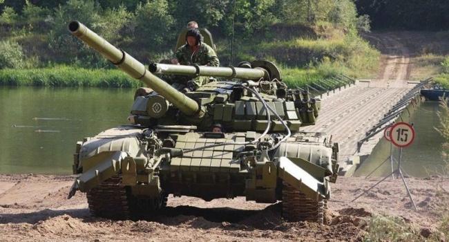 """""""Укроборонпром"""" продемонстрував можливості відновленого Т-64 (ВІДЕО)"""
