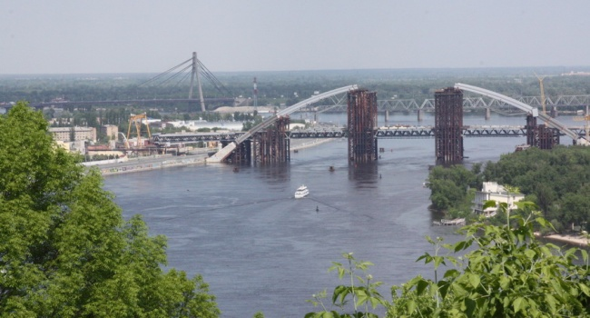 Кличко подсчитал, сколько нужно денежных средств, чтобы достроить Подольский мост вКиеве
