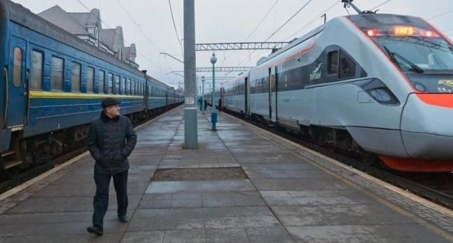 В «Укрзализнице» сообщили, что не выполняют перевозок на завоеванной территории Донбасса