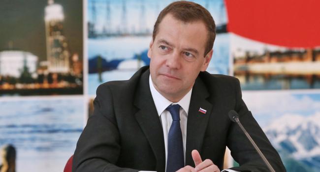 Результаты опроса «Левада-центра» оМедведеве изучат вКремле