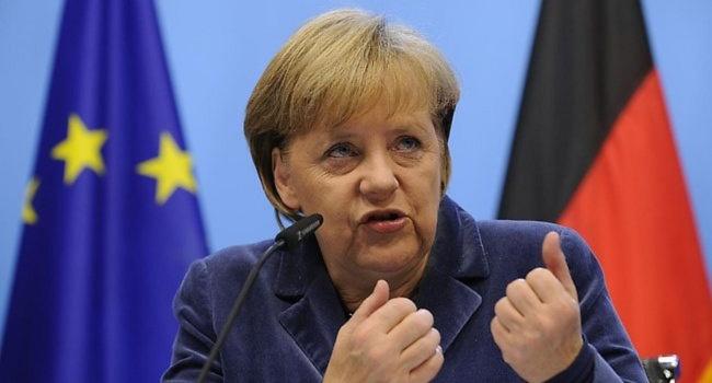 Меркель едет вСочи кПутину