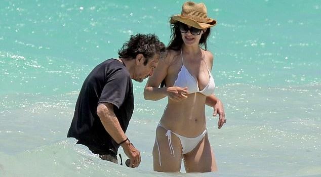 Аль Пачино вернулся к бывшей молодой любовнице спустя два года
