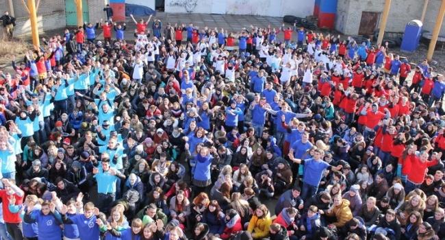 Денис Казанский: оказывается в ЛНР сходят с ума от Украины и ежедневно думают о ней