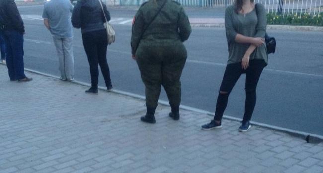 На улицах Луганска появилась самая тяжелая артиллерия, - фото