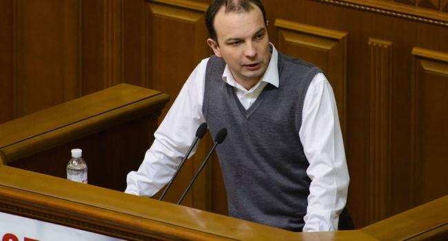 Эксперт: Соболев-Зимин пытается не столько помешать Луценко, сколько помочь Януковичу