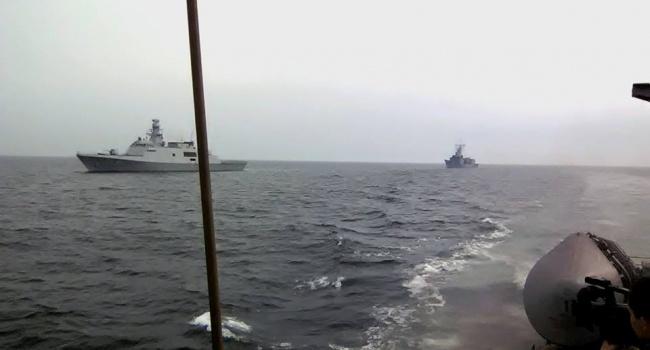 Судно ВМС Росії здійснило спробу захоплення українського катера
