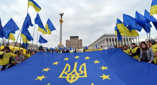 Международник: безвиз приведет к серьезным изменениям в самой Украине