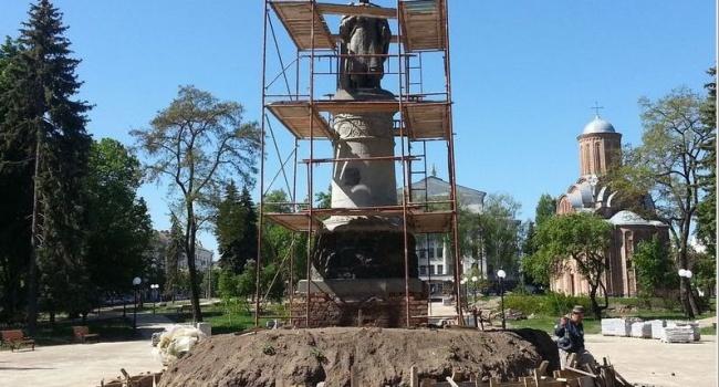 УЧернігові розвернуть пам'ятник Хмельницькому спиною доМоскви, згідно ззадумом архітектора