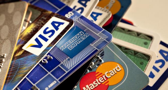 В Украине резко возросло количество банковских карт