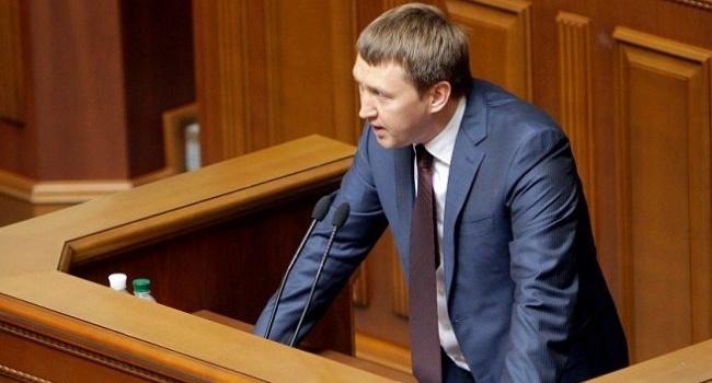 Эксперт рассказал о причинах ухода Кутового
