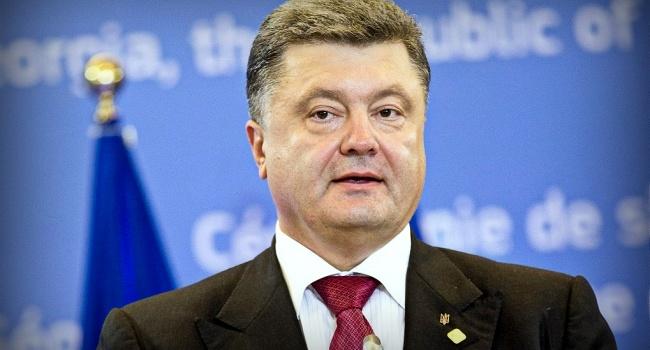 Порошенко: граждан Крыма иДонбасса нельзя оставлять без украинских паспортов