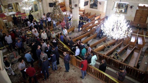 Внаслідок розстрілу у Єгипті автобусу з християнами загинули і отримали поранення десятки осіб